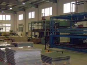 Vacumn forming equipment